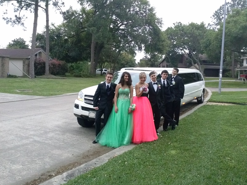 You can get a nice limo for your Prom Night