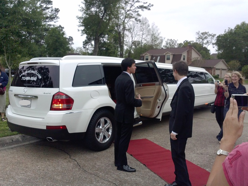 It is important to have the best limo for Our Prom Night