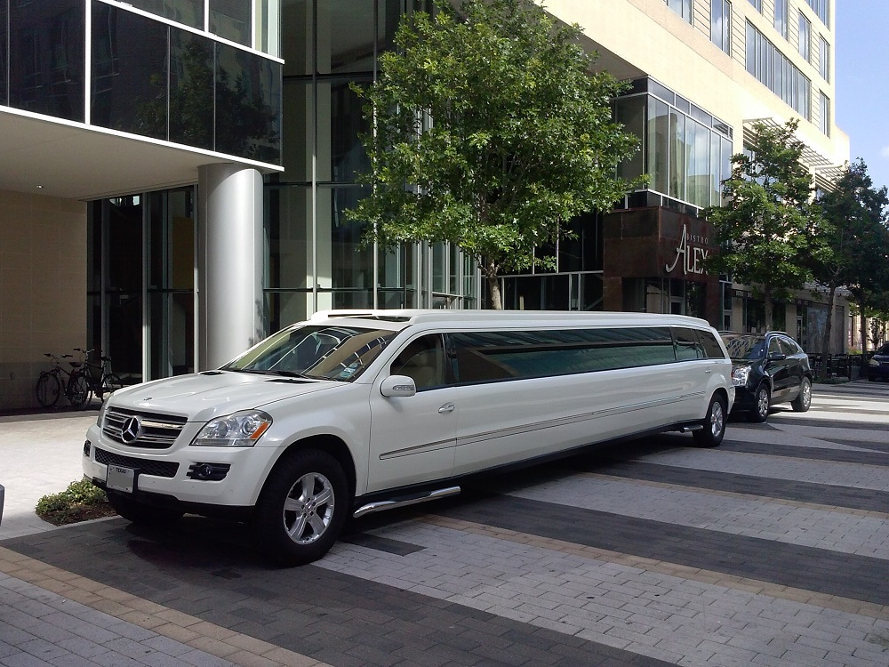 Mercedes Benz North Houston >> MERCEDES 20 PASSENGER Mercedes limo will take you to Luxuries Hotel – Limo Service Houston ...
