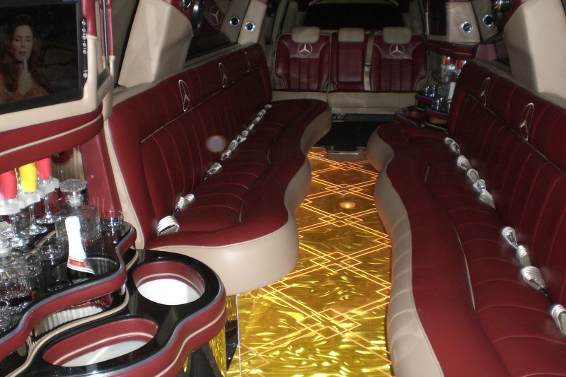 Mercedes 20 passenger luxury mercedes limousine limo for Mercedes benz north houston service coupons
