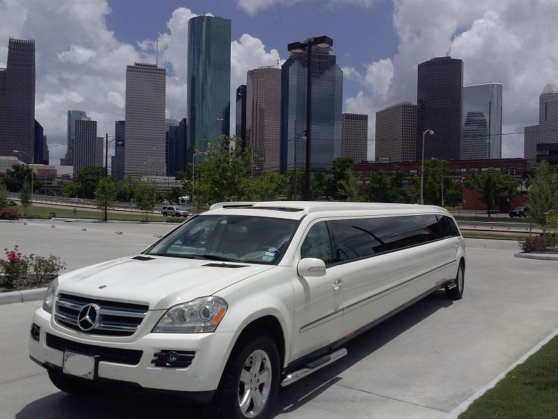 Mercedes 20 passenger mercedes limo houston down town 3 for Mercedes benz service houston
