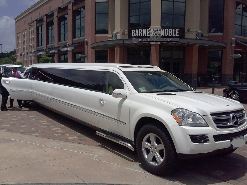 The woodlands limo service limo service houston limousine for Mercedes benz woodlands service