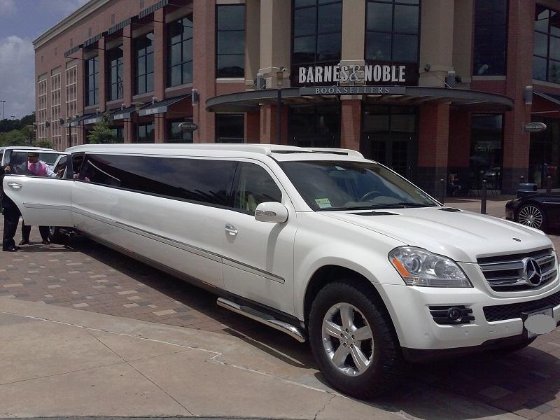 Specials limo service houston limousine for Mercedes benz rental houston