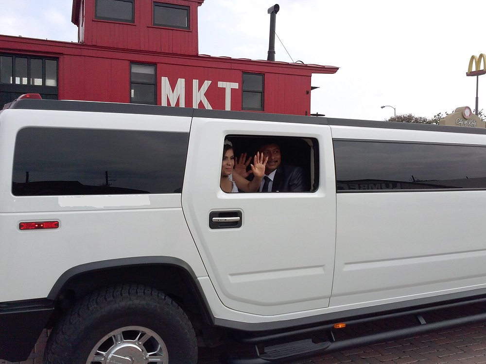 It is a right choice to have Limo for a wedding