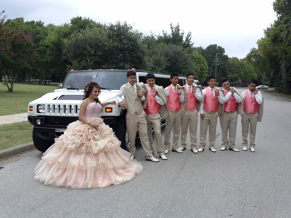 Hummer limousine for Quinceanera