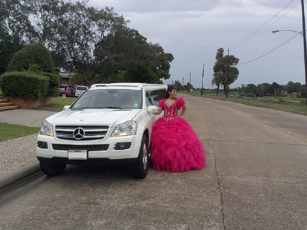 Mercedes Limousine for Quinceanera
