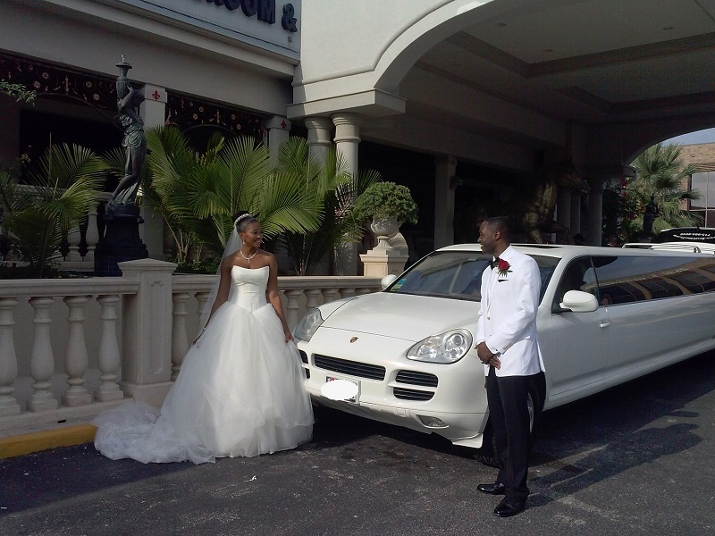 PORSCHE LIMO WILL BE ALWAYS A GOOD CHOICE FOR YOUR WEDDING