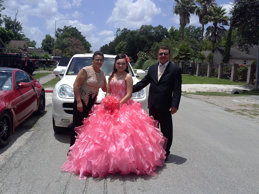 Porsche Limo For Quinceanera Party (1)