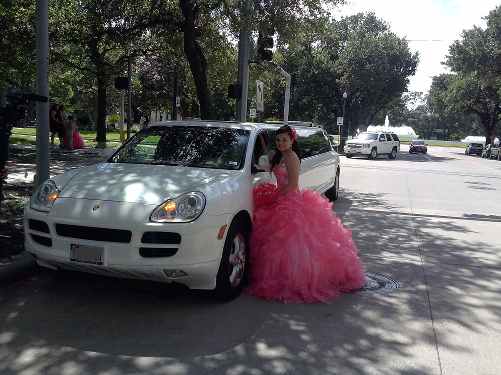 Porsche Limo For Quinceanera Party (6)
