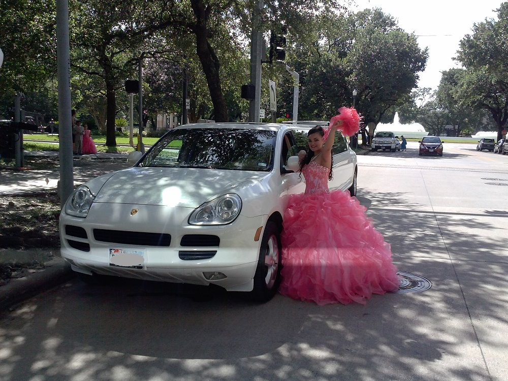 Porsche Limo For Quinceanera Party (7)