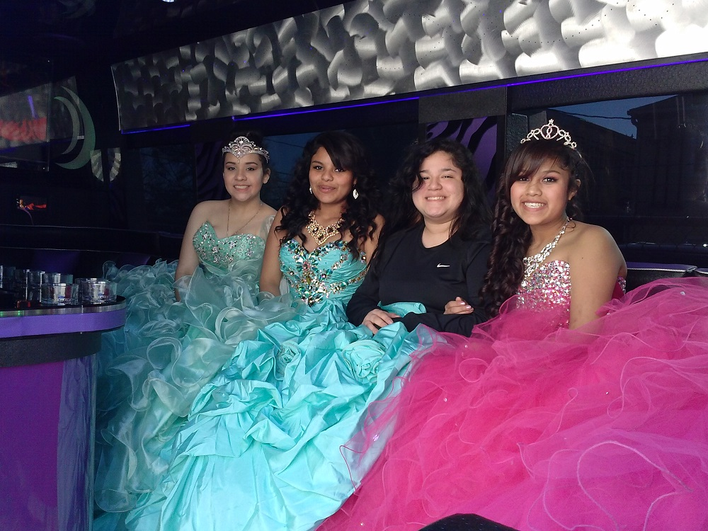 QUINCEANERAS IN THE PARTY BUS (1)