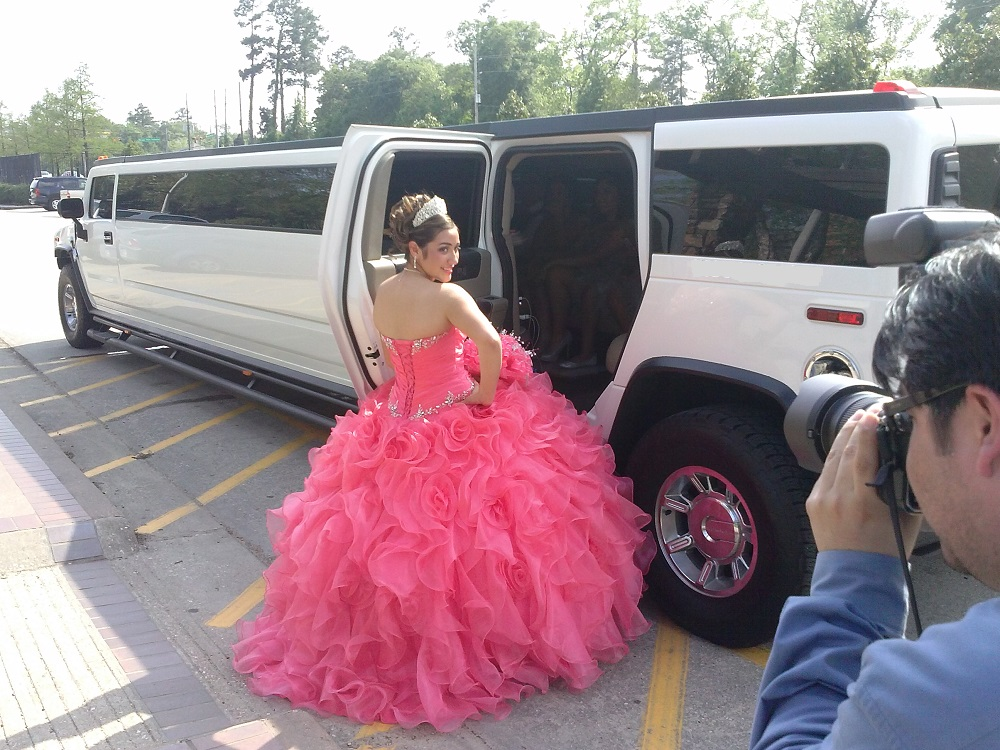 Hummer limo for Quinceanera