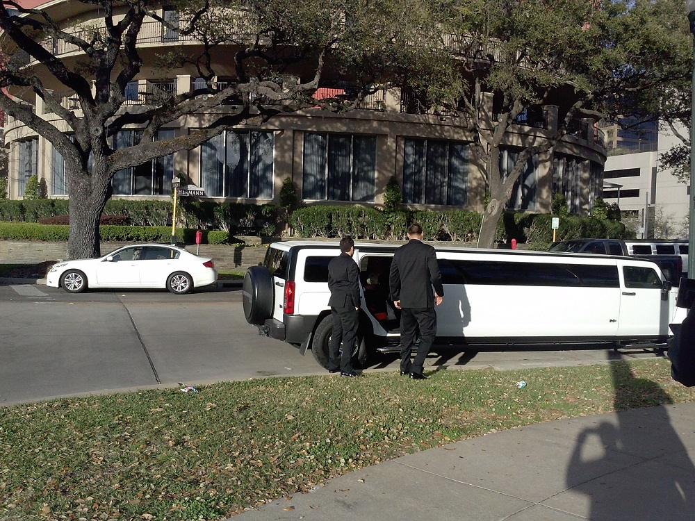 Hummer H3 Limo Wedding Party