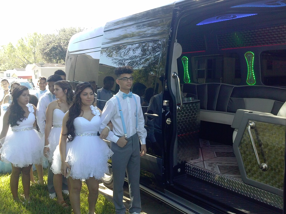 Mercedes Benz Houston North >> MERCEDES SPRINTER 3500 PARTY BUS FOR QUINCEANERAS | Limo ...